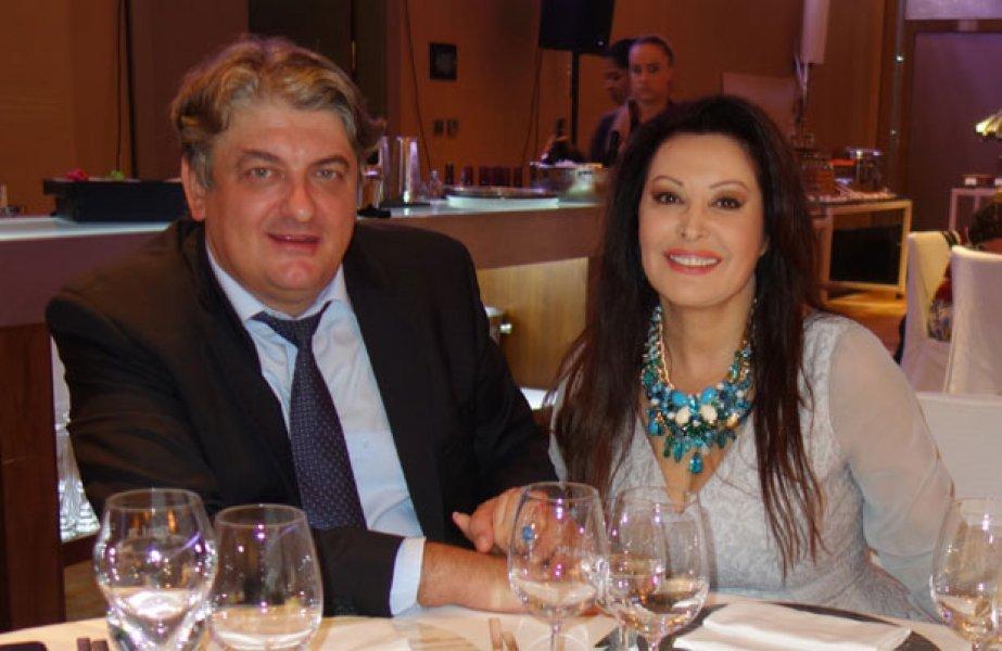 MOBILNA::Srećni i zaljubljeni kao prvog dana: Dragana Mirković i Toni  proslavili 16 godina braka (FOTO)   Kodex.ME