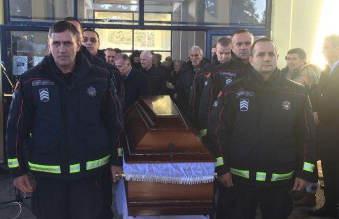 Sahranjen Milutin Leković: Policajca na putu bez povratka ispratile stotine građana iz svih krajeva Crne Gore i šire